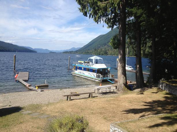 Houseboat exchange for ski chalet at Mt Washington (or other)