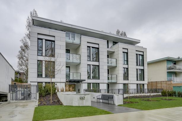 Kitsilano 2 Bed OPEN HOUSE Sunday May 12 - 2 pm to 4pm