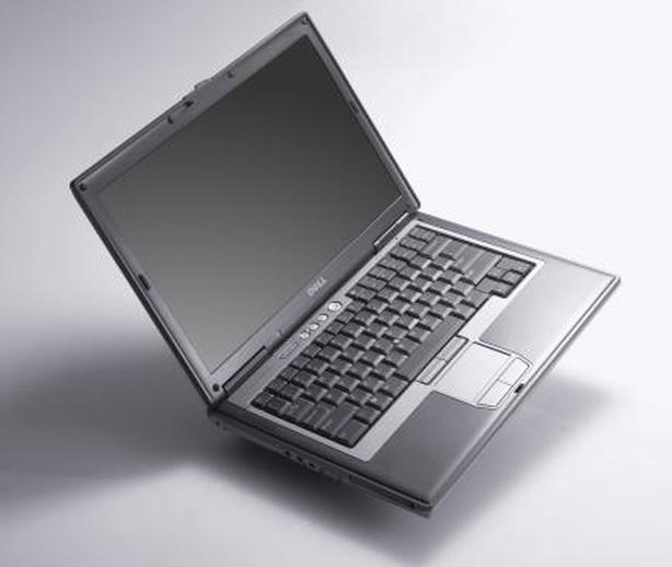 Dell Latitude D630 C2D 2.20GHZ 2GB 120GB DVDRW WIN7 109$