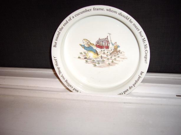 VINTAGE PETER RABBIT WEDGEWOOD CHILD BOWL