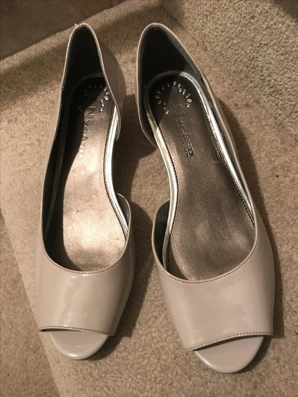 d8a78771dfd5 Ladies NYGARD Collection dress shoes size 9M- VERY NICE!