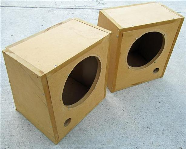 Subwoofer cabinets for 10-inch speakers