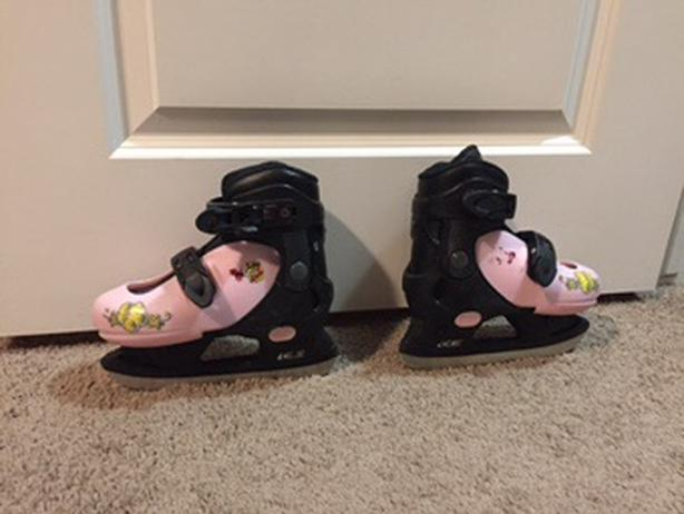 Girls Adjustable Skates
