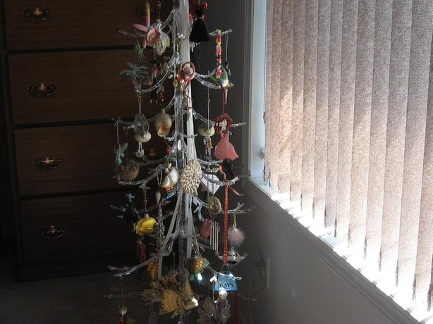 Decorative Acrylic Tree - Used for Hanging Deco,Jewellery, Treasures