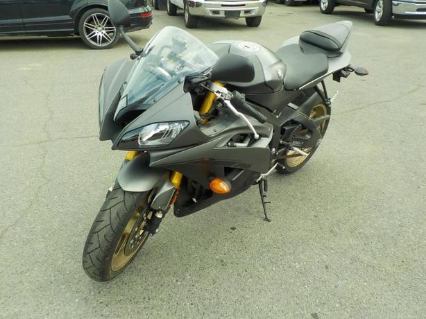 2014 Yamaha YZF-R6 Motorcycle