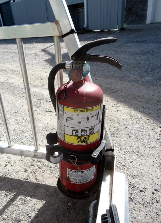FIRE EXTINGUISHER AND MOUNT FOR HEADACHE RACK