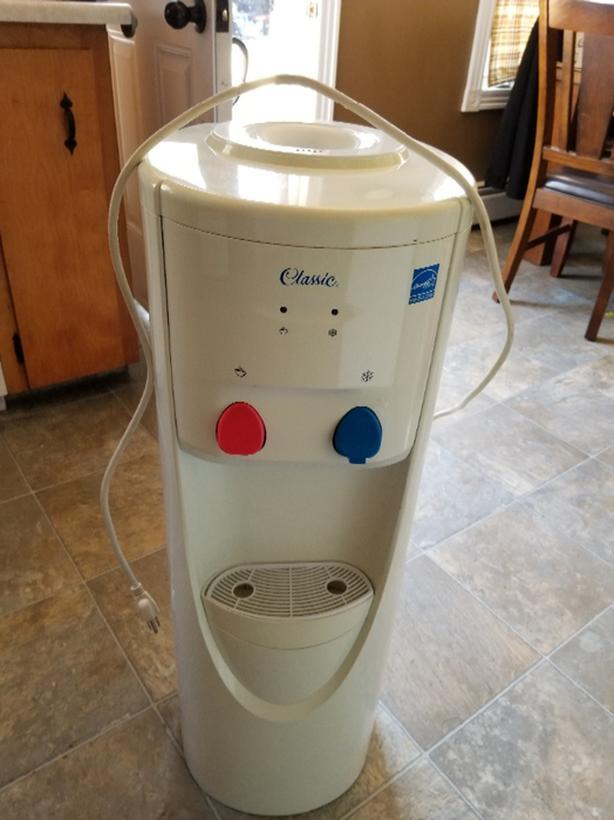 Water Dispenser  Reduced Price