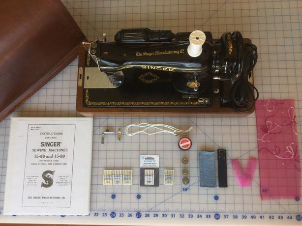 1948 Singer Sewing Machine 15-90 Ladysmith, Cowichan - MOBILE