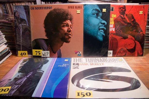 WANTED: BLUES LP Vinyl Records or Blues CDs
