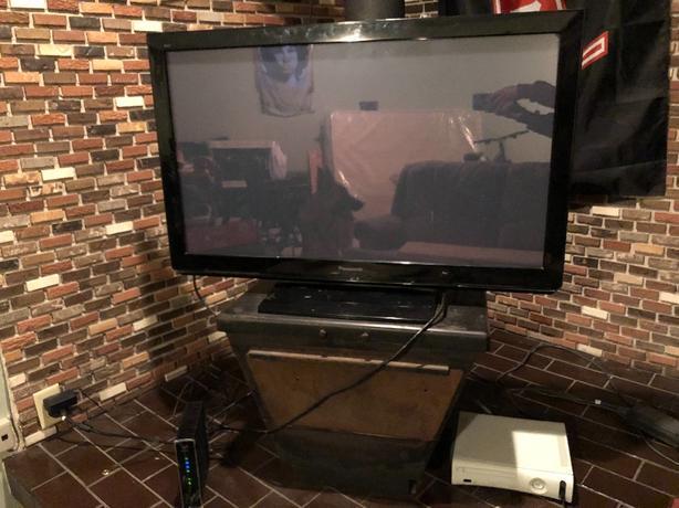 "42"" Flatscreen Panasonic HD TV"