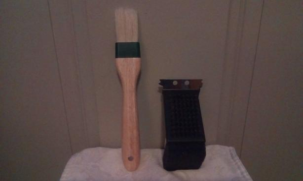 FREE BBQ brush & BBQ scrub brush cleaner