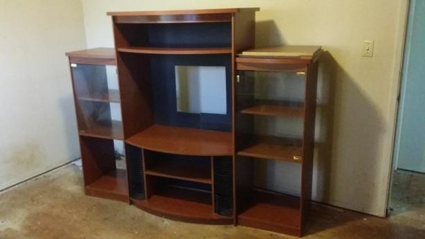 FREE: tv cabinet