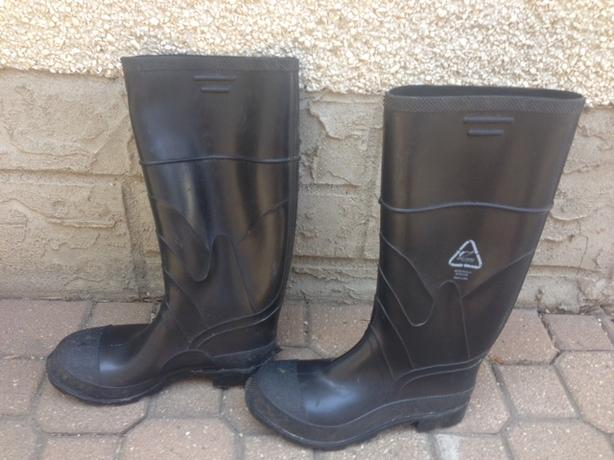 Steeled Toed Rubber Boots