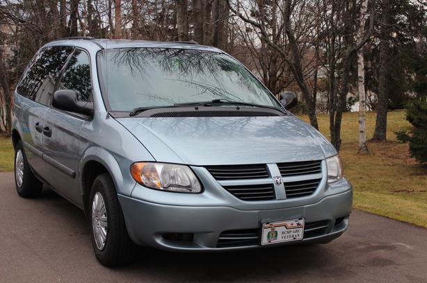2005 Dodge Caravan, low mileaage, excellent condition