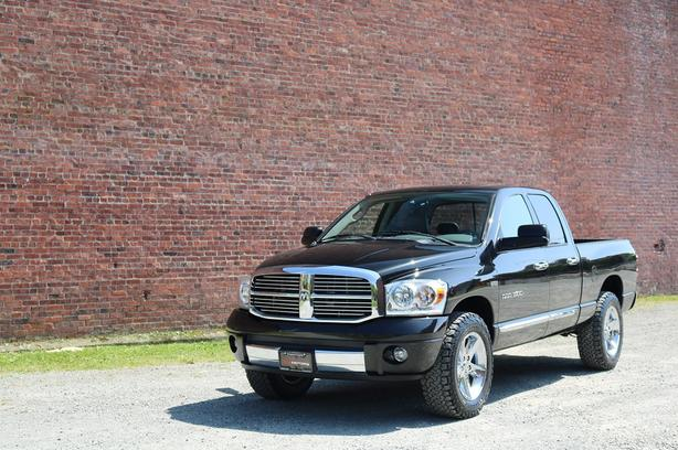 2007 Dodge Ram 1500 Laramie Quad Cab 4x4 - LOCAL BC TRUCK!