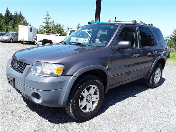2006 Ford Escape XLT, 6 cylinder FWD with under 200k km's!!!