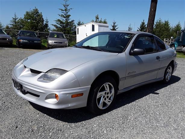 2002 Pontiac Sunfire, 4 cylinder with 230k km's!!!