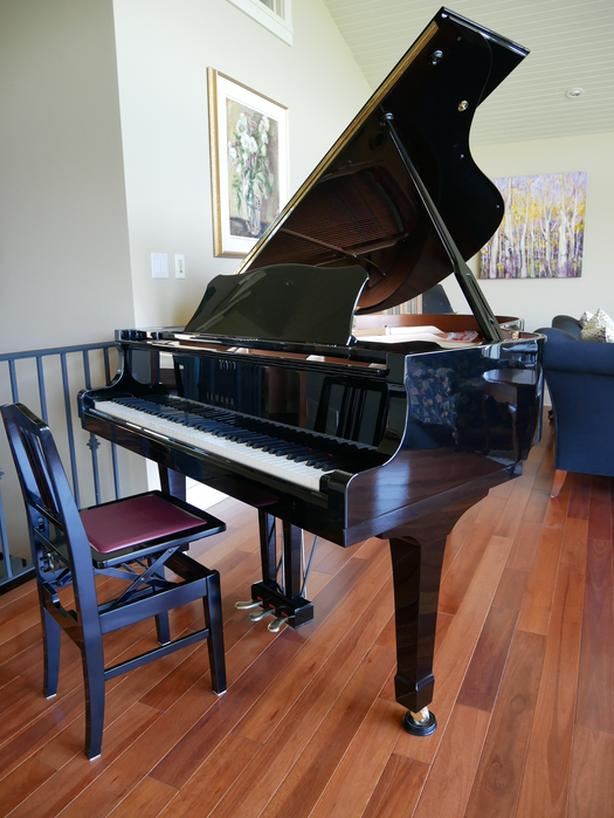 Yamaha C3 Grand Piano - Immaculate Condition