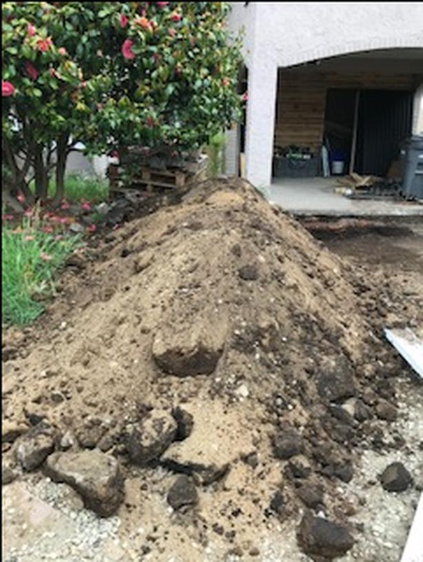 FREE: SOIL / GARDEN FILL / DIRT COME PICK UP ANY MOMENT