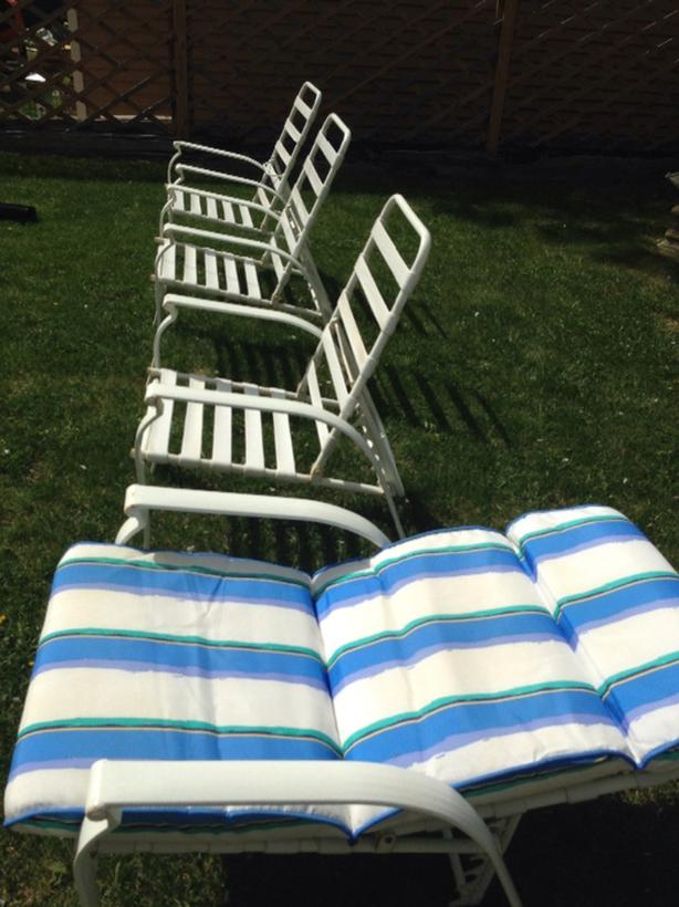 four lawn chair with four new cushion