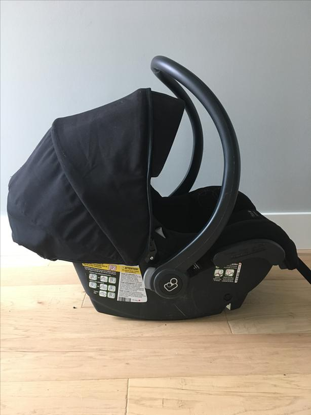 Maxi Cosi Mico AP Infant Car Seat With Extra Base