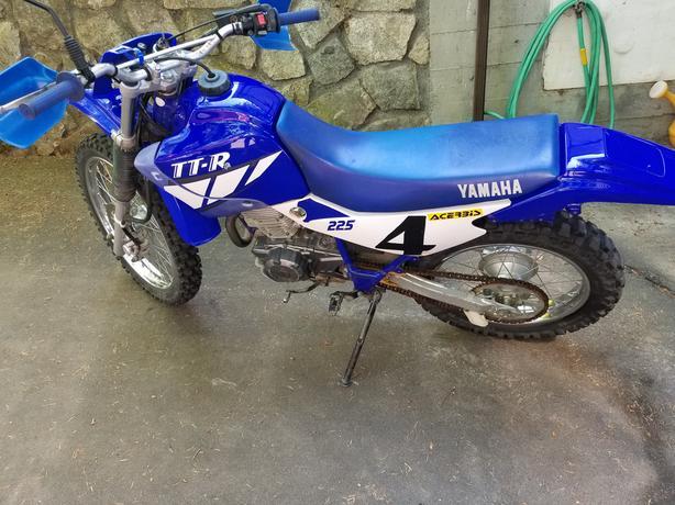 YAMAHA 225 TTR