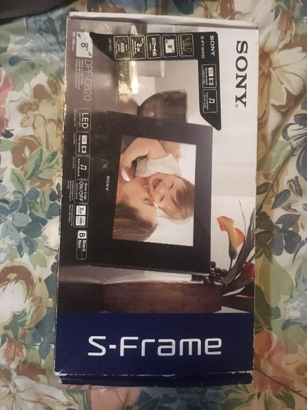 Sony S-Frame DPF-D820 Digital Photo Frame Victoria City, Victoria