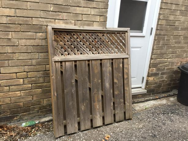 FREE: wooden gate