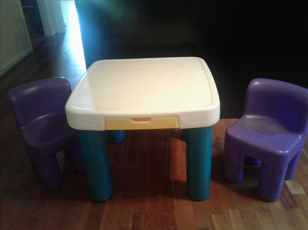 little tikes play table and 2 chairs