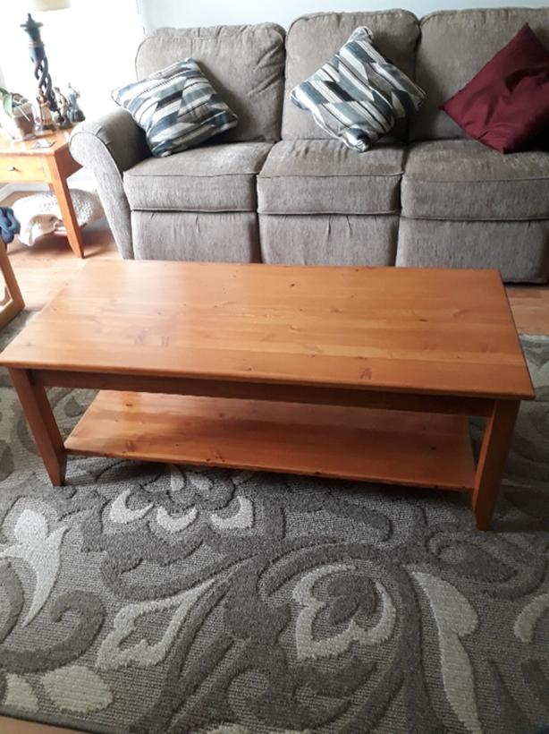 Solid Wood Coffee Table And End Tables Comox Comox Valley