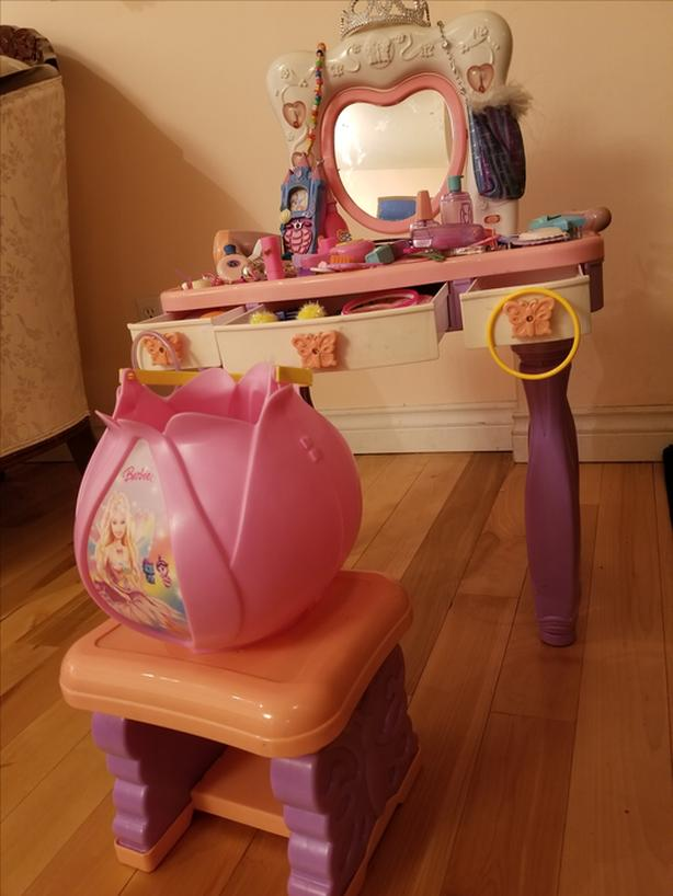 Barbie Musical Dressing Table with Accessories