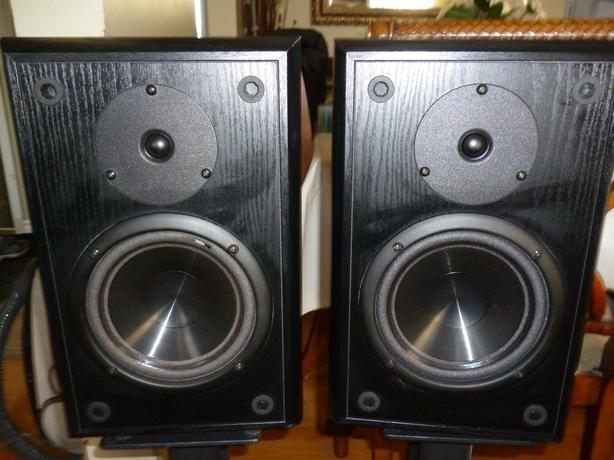Infinity Reference One Bookshelf Stereo Speakers