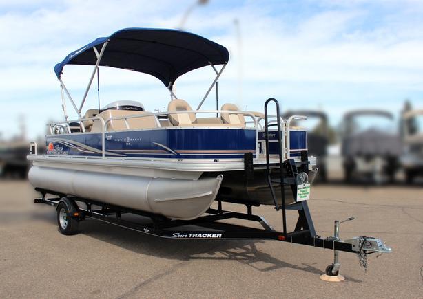 2014 SunTracker Fishin' Barge 22 DLX w/Mercury 90hp 4Stroke