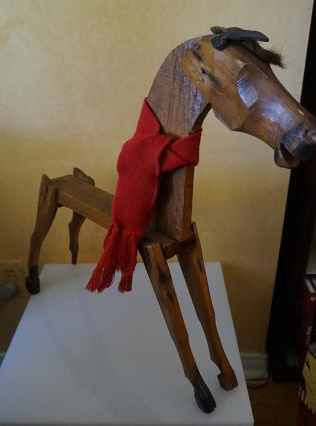 4u2c ANTIQUE FOLK ART WOOD HORSE