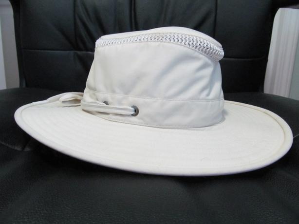 659656d9 Tilley AirFlo Hat - size 6 7/8 Central Nanaimo, Nanaimo