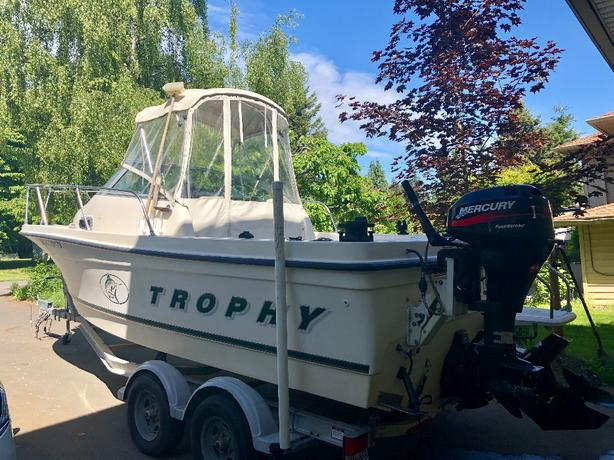  Log In needed $26,800 · 2000 Bayliner Trophy 2052