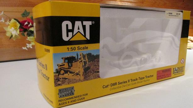 Caterpillar D8R - BOX ONLY
