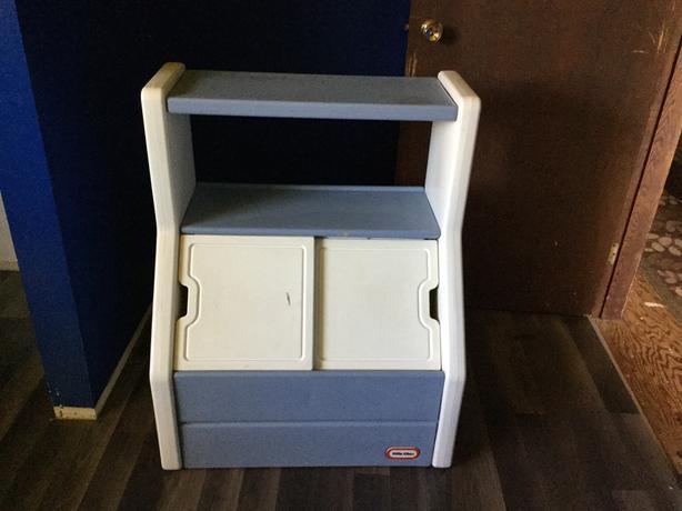 Little Tikes Bookshelf Toybox
