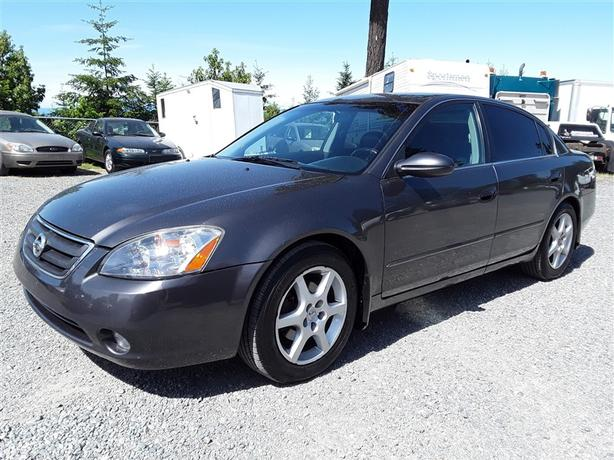 2004 Nissan Altima SE, 6 Cylinder FWD With 229k Kmu0027s!!! Clean Leather
