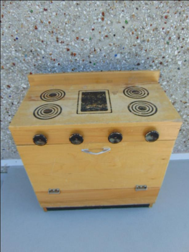 Play Family Kitchen Vintage 1970's Solid Wood Play Stove With Knobs