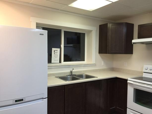 Near Uvic room for rent