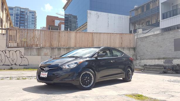** 2014 Hyundai Elantra 74K - Auto - Financing Available o.a.c