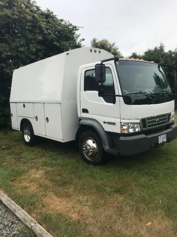 Ford LCF45 tradesman or service box truck South Nanaimo, Nanaimo
