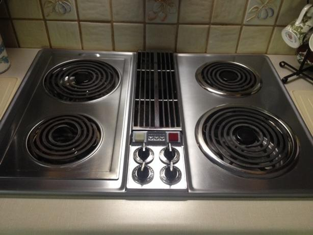 Vtg Jenn Air Stainless Downdraft Grill, Rotisary & Cooktop Immaculate