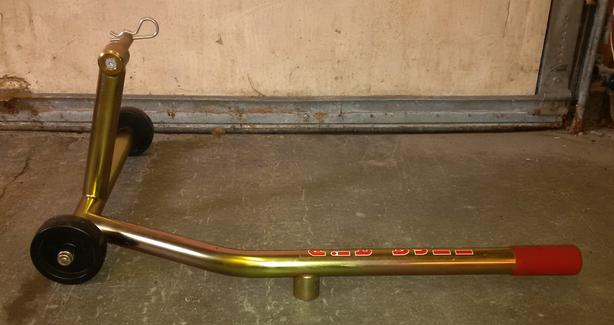 Honda VFR 1200F rear stand by Pit Bull