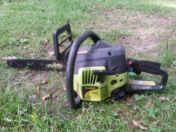 "Poulan 14"" chainsaw 33cc like new"