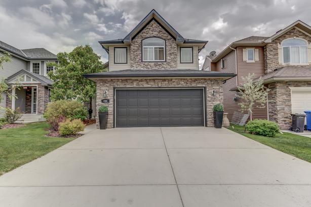Immaculate Former Crystal Greens Showhome Backing Onto Golf Course