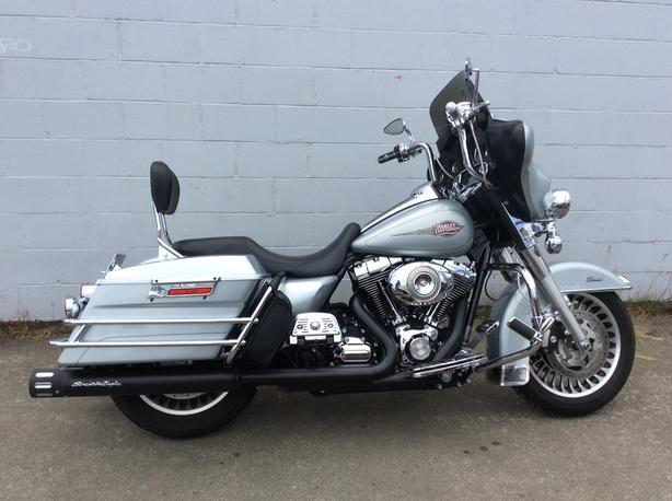 2011 Harley Davidson Electra Glide Classic with extras.