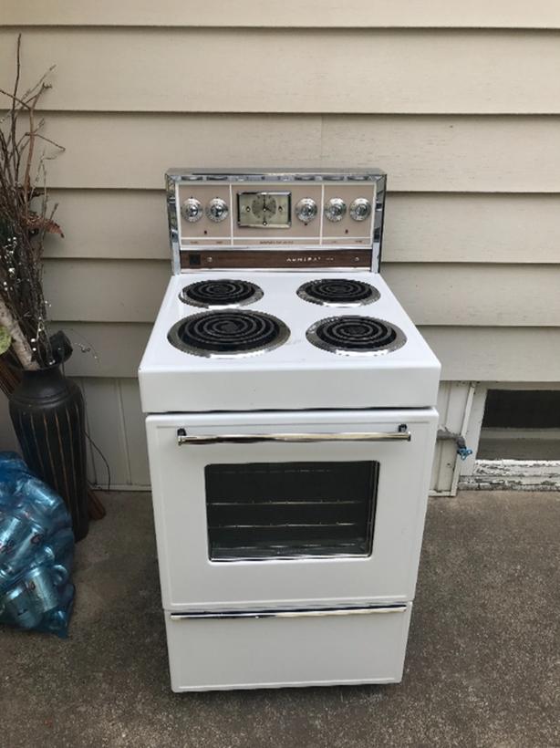 apartment size stove South Regina, Regina