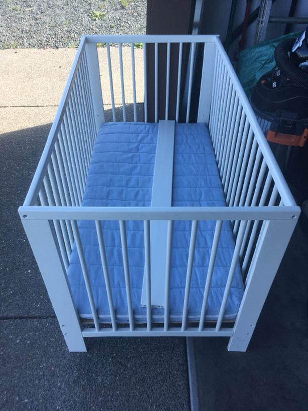 3 cribs for sale